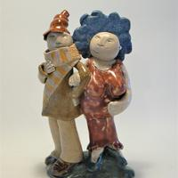 Going out / Ceramic / 15cm tall